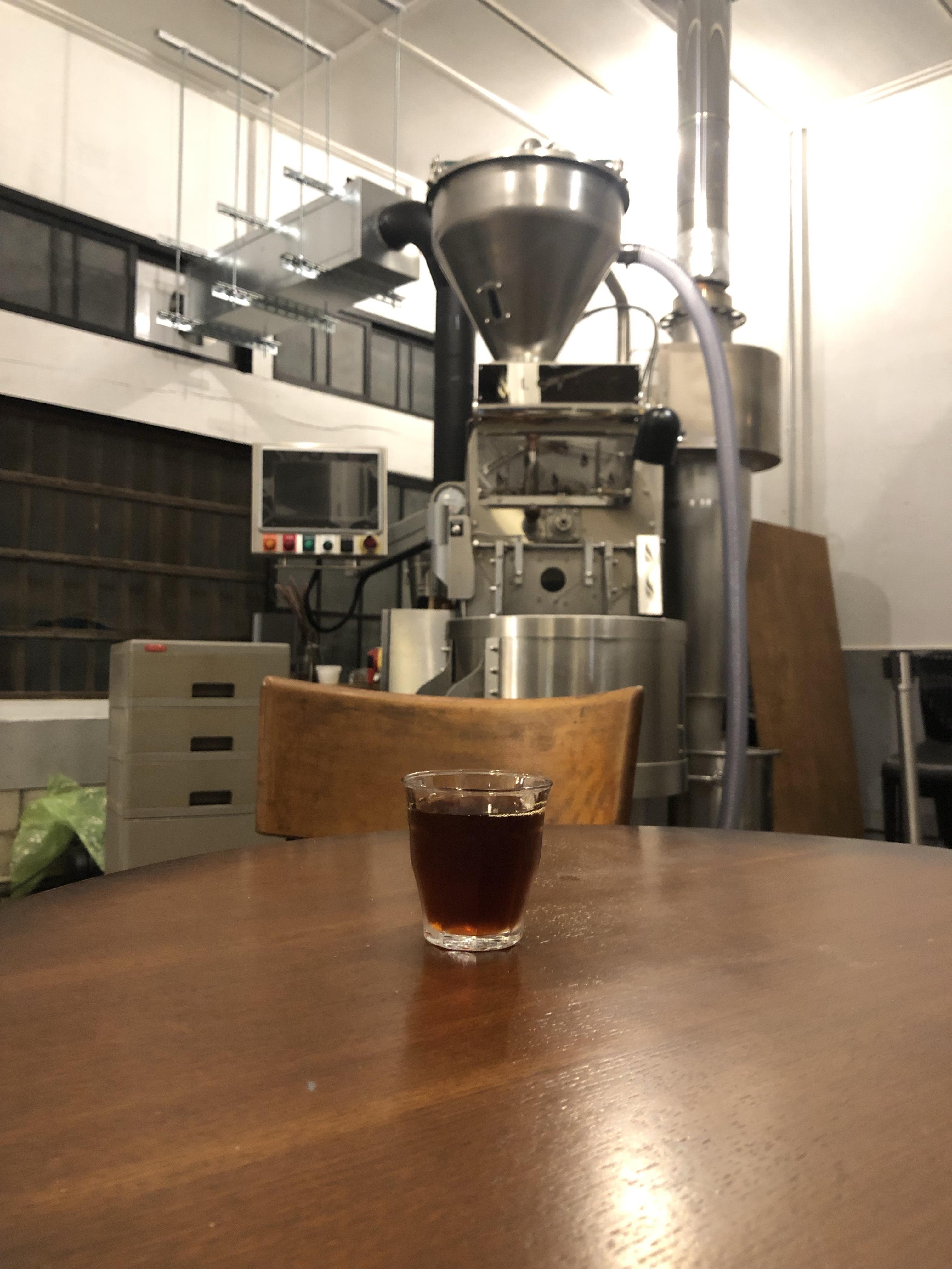 コーヒーと焙煎機